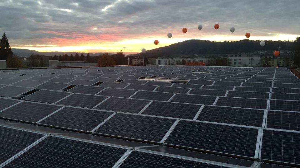Die Migros Zuzwil ist der erste PlusEnergie-Supermarkt der Schweiz