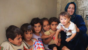 BESTSELLER FUND donates to help Syrian refugees in Lebanon