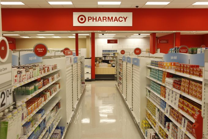 Target pharmacists in Canada available to provide expert advice on how to manage allergy symptoms this spring