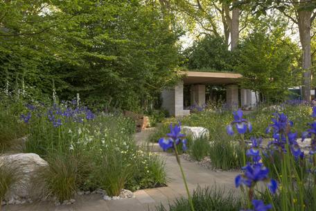 Epr retail news garden designer adam frost won gold - Chelsea flower show gold medals ...
