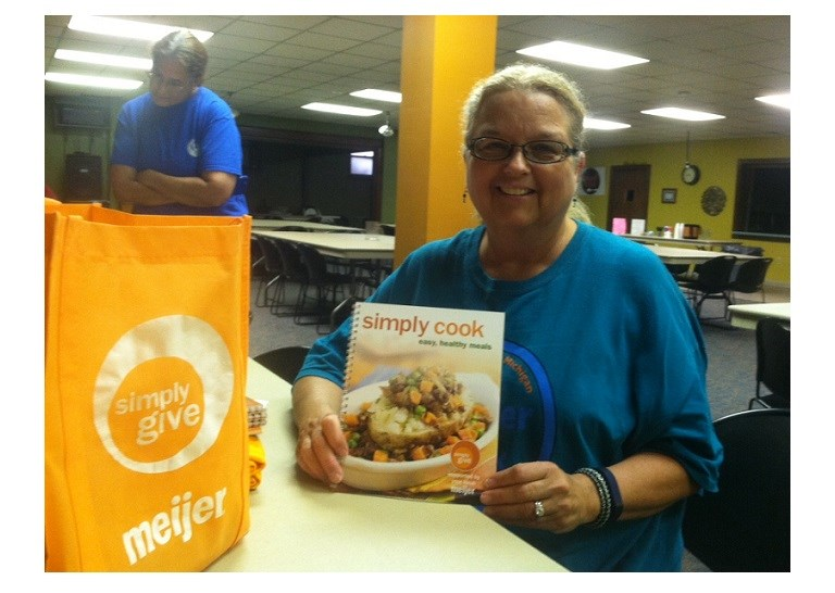 Meijer distributed English and Spanish versions of Simply Cook to its food bank and pantry partners across the Midwest