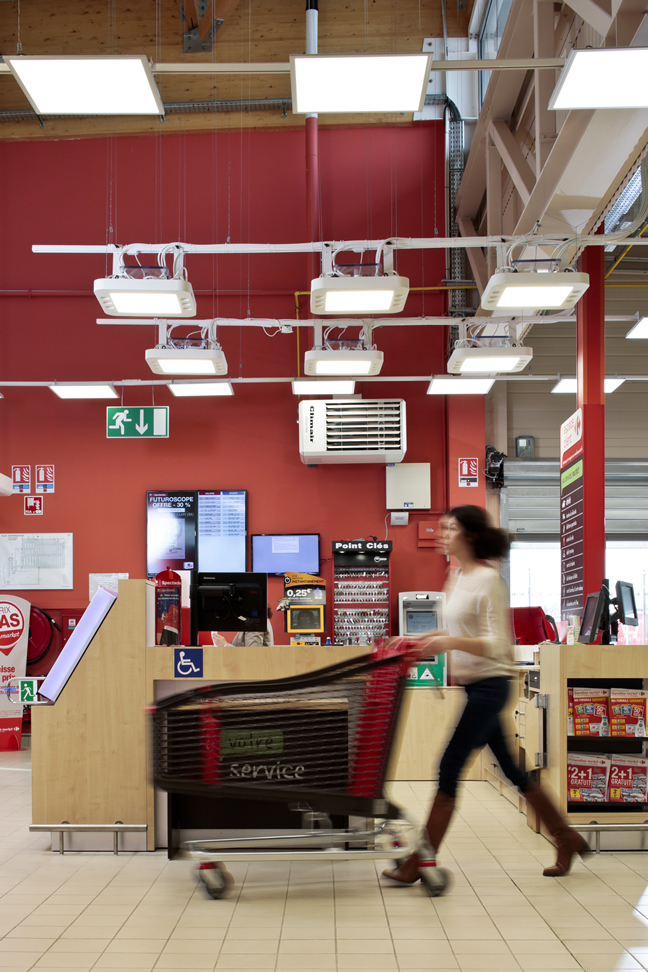 Carrefour Market partners with PHILLIPS and French start-up ECHY to test a revolutionary new hybrid fibre-optic lighting technology