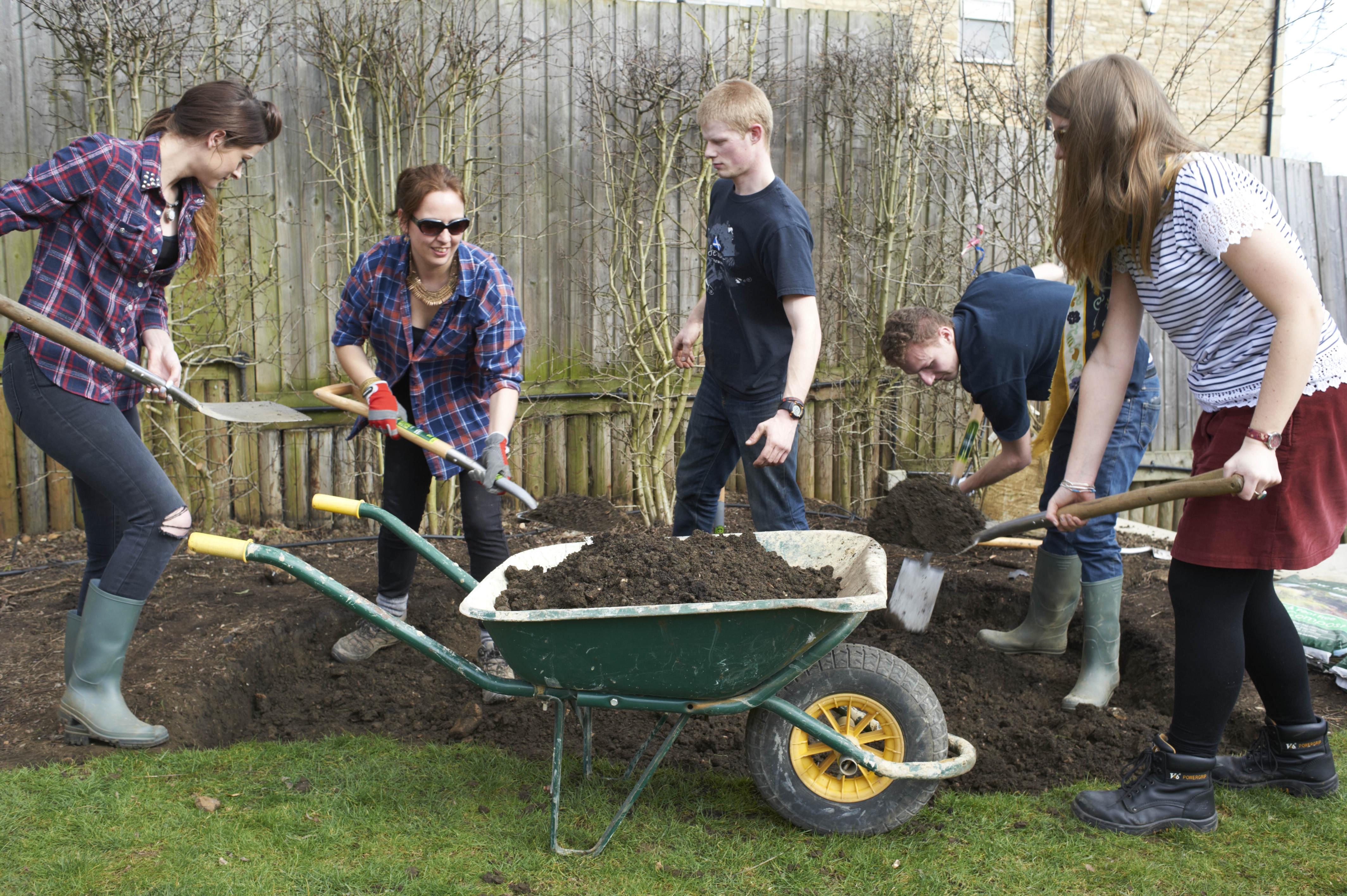 Epr retail news homebase the garden academy returns for for Gardening qualifications