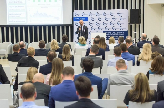 Carrefour Poland Director Guillaume de Colonges gave a speech at the ECR conference in Krakow