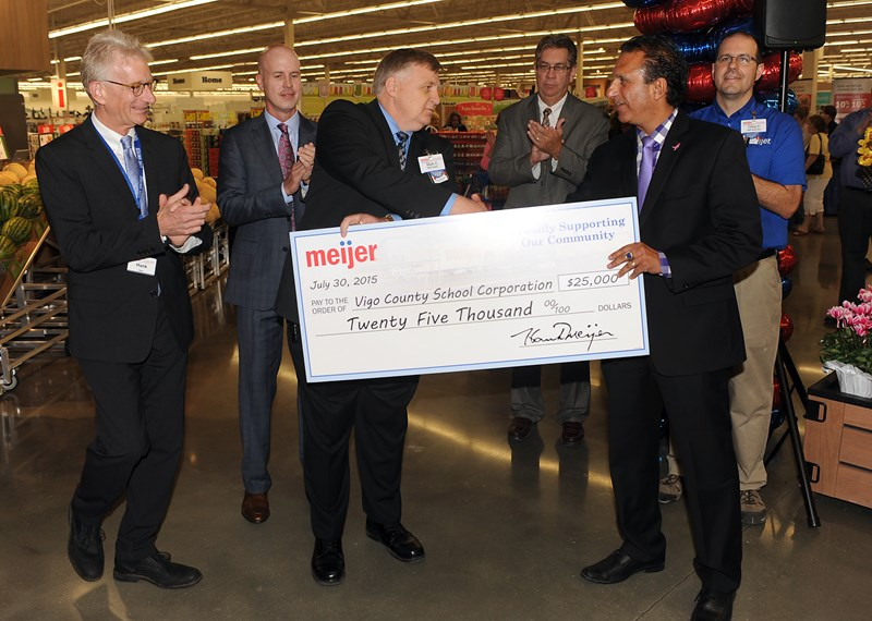 Meijer opens new 195,000-square-foot supercenter in Terre Haute, Ind.
