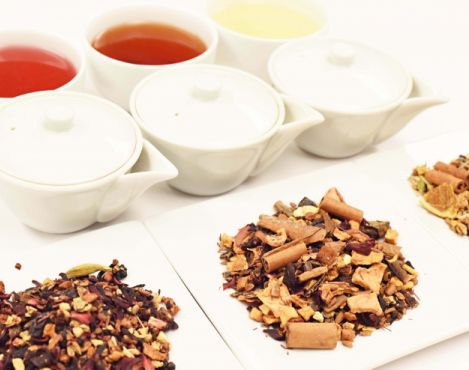 "US Teavana stores to offer complimentary ""flight"" or samples of cider-inspired teas during weekends Sep 12 - Oct 18"