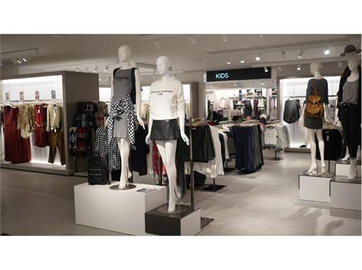 MANGO opens new megastore at London's popular Victoria Street