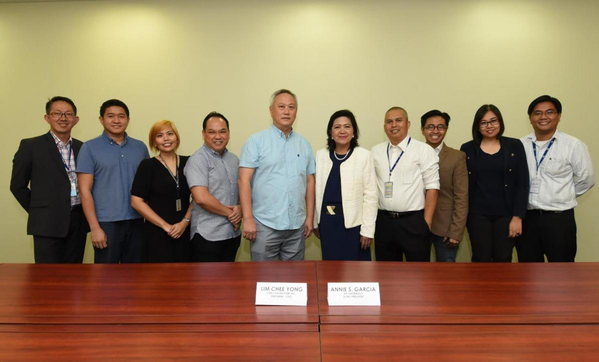 SM BRINGS MANILA'S WORLD-CLASS OCEANARIUM TO CEBU. SM Supermalls and Cebu Sealife Park Inc., recently forged a partnership to bring the state-of-the-art marine theme park in SM Seaside City Cebu. Among the executives present at the contract signing were SM Supermalls President Annie Garcia and Manila Ocean Park President and CEO Chee Yong.