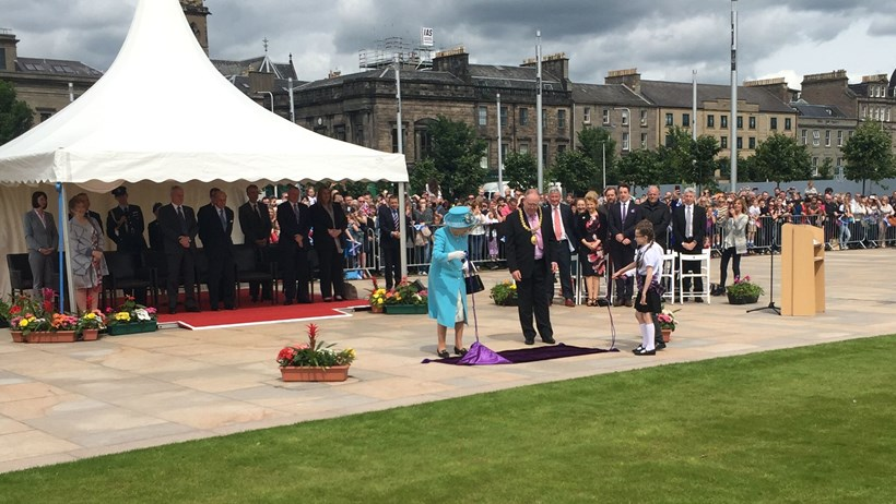Her Majesty the Queen officially opens Slessor Gardens — a beneficiary of Tesco's Bags of Help funding in Scotland