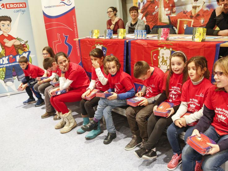 EROSKI forma en alimentación saludable a más de 8.600 escolares navarros en las Aulas Rojillas de la Fundación Osasuna