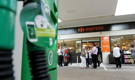 EFR reopens Paris Lecourbe BP service station with Carrefour Express store marking their 20 years of partnership