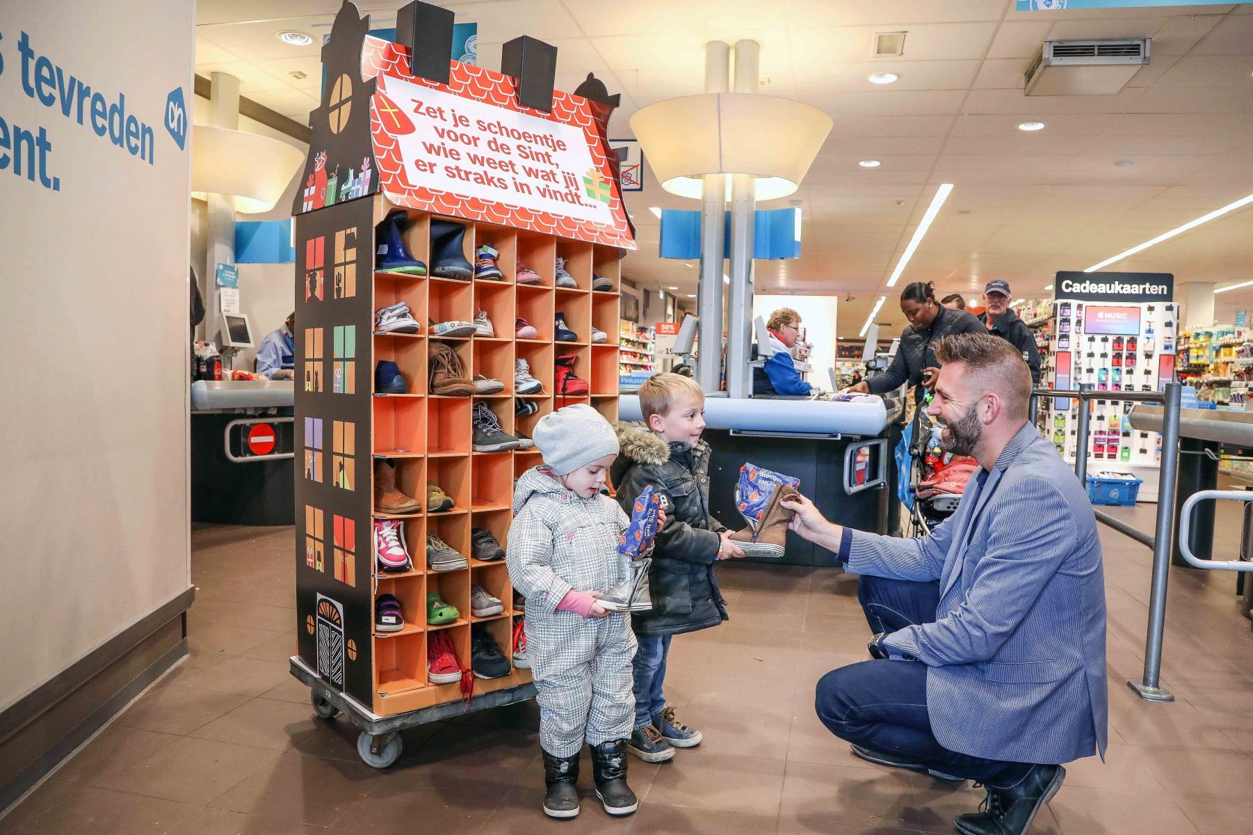 Albert Heijn maakt 250.000 kinderen blij met schoencadeau