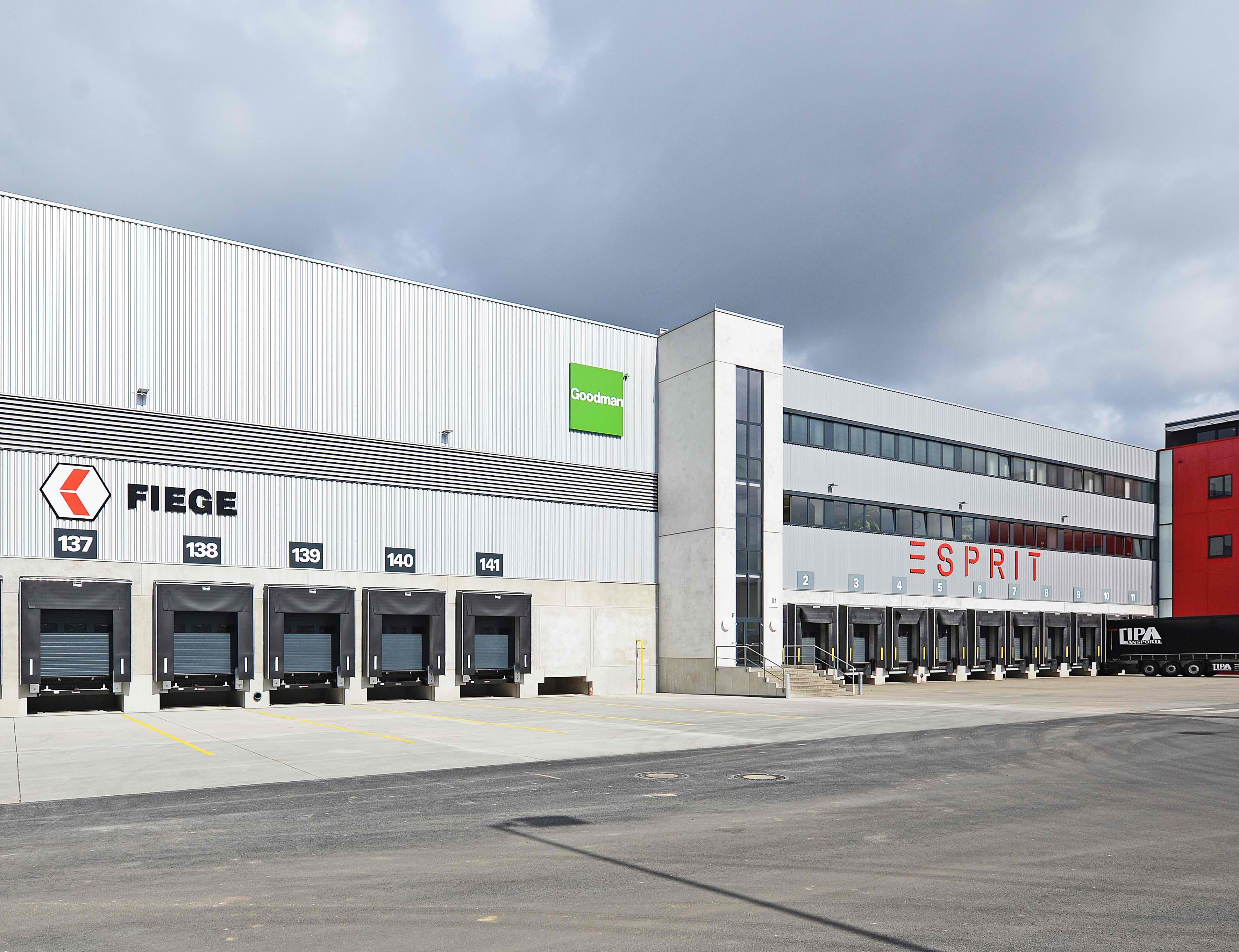 authentische Qualität um 50 Prozent reduziert schöne Schuhe EPR Retail News | Esprit opens new logistics center in ...